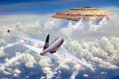Encuentro cercano en el cielo Fotos de archivo libres de regalías