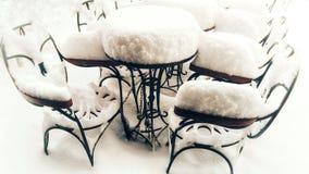 Encuentro en nieve imagenes de archivo