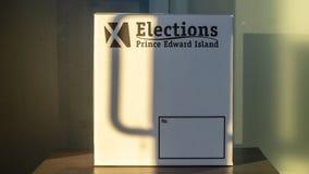 Encuesta de las elecciones PEI para la elección provincial 2019 en la puesta del sol foto de archivo