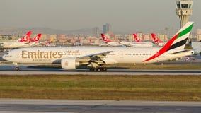 A6-END Emirate, Boeing 777-31H/ER Lizenzfreies Stockfoto