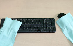Endast skjorta utan anställd på det svarta tangentbordet, Job Vacancy Royaltyfria Bilder