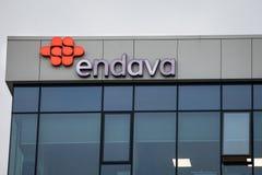 Endavaembleem op hun hoofdbureau voor Servië Endava, vroeger PSTech, is een Brits en Servisch Software-ontwikkelingbedrijf royalty-vrije stock afbeeldingen