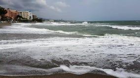 Ende der Ferienzeit auf einem Strand stock footage