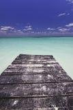 Ende des Docks im Paradies Stockbilder