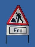 Ende des Straßenarbeitenzeichens Stockfotos