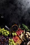 Endecha mediterránea italiana apetitosa sabrosa del plano de los ingredientes alimentarios Fotos de archivo libres de regalías