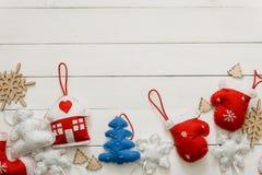 Endecha plana con la decoración del Año Nuevo Imágenes de archivo libres de regalías