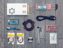 Endecha plana de partes y de componentes electrónicos y mecánicos de DI Fotografía de archivo libre de regalías