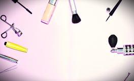 Endecha plana del maquillaje y de los cosméticos con el espacio de la copia Foto de archivo