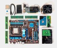 Endecha plana del ordenador desmontado de la PC, ordenador portátil, concepto de reparación Fotografía de archivo libre de regalías