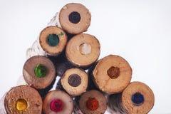 Enden von großen natürlichen farbigen Bleistiften Stockbild