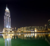 Endereço moderno do hotel em Burj do centro Dubai, Dubai Fotos de Stock Royalty Free