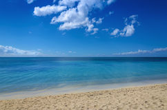 Endless sea and beautiful sandy beach Royalty Free Stock Photography