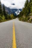 Endlose Straßen in Banff Lizenzfreie Stockfotos