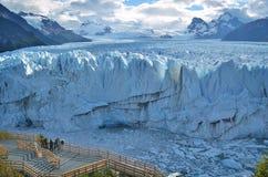 Endloser blauer Gletscher lizenzfreie stockbilder