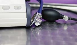 Endoscope und Druck-Monitor Stockbilder