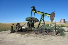 Endriven olje- borrtorn i South Dakota royaltyfri fotografi