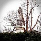 Endroit d'enterrement de cimetière de Frankfort de monument de Daniel Boone image libre de droits