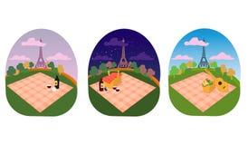 Endroit de Tour Eiffel de Paris pour une famille et un pique-nique romantique en parc, étendre une couverture, un panier de nourr Photos libres de droits