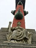 Endroit historique sur le remblai de Vasilyevsky Island, St Petersburg image libre de droits