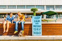 Endroit pour prendre un bain de soleil en parc de Museon de Moscou Image libre de droits