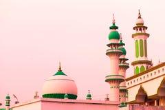 Endroit religieux de mosquée islamique photographie stock