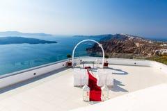Endroit romantique pour la cérémonie de mariage en île de Santorini, Crète, Grèce, Fira Image stock