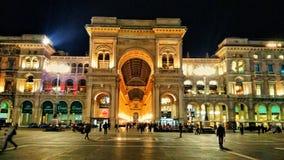 Endroit urbain Milan de bâtiment d'hôtel de ciel de ville Photo stock