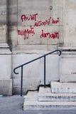 Endroits endommagés vus sur le 14ème de juin 2016 après les émeutes à Paris contre la loi de travail Photographie stock