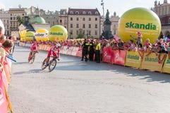 Endstadium der Polen-Rundfahrt in Krakau Stockbilder