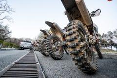 Enduro fuori-roading nel raduno russo 2014 della corsa di cinque giorni Fotografie Stock Libere da Diritti