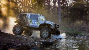 Enduro fuori-roading nel raduno russo 2014 della corsa di cinque giorni Fotografia Stock