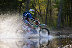 Enduro off-roading en la reunión rusa 2014 de la raza de cinco días Fotos de archivo