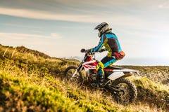 Enduro roweru jeździec zdjęcie royalty free