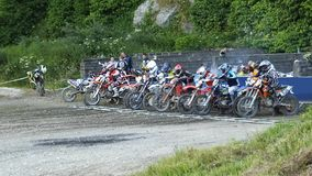 Endurocross motocykl ?ciga si? Glenarm Co Antrim P??nocny - Ireland fotografia stock