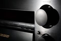 Enegreça o amplificador do teatro home com os clos do botão do volume imagem de stock royalty free