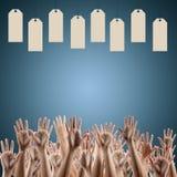 Enegreça sexta-feira Palavra do disconto nas mãos dos povos das etiquetas Fotografia de Stock Royalty Free