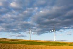 Energía alternativa con energía eólica Foto de archivo libre de regalías