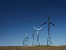 Energía alternativa - turbogeneradores del viento Fotografía de archivo