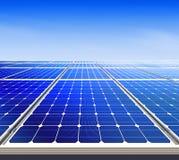 Energía solar alternativa l Fotografía de archivo