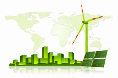 Energía verde - el panel solar, turbina de viento y paisaje urbano Fotografía de archivo
