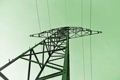 Energía verde - línea eléctrica poste fotografía de archivo