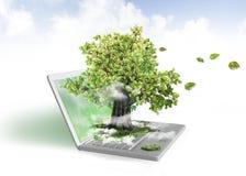 Energía verde de la computadora portátil Fotos de archivo libres de regalías