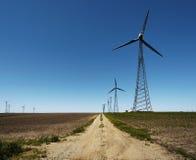 Energia alternativa - azienda agricola della turbina di vento Immagini Stock Libere da Diritti
