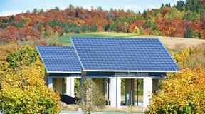 Energia alternativa - pannelli solari Fotografia Stock