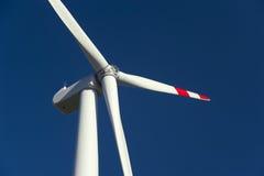 Energia di vento, turbina bianca Fotografia Stock