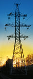 Energia elettrica di trasferimento sulla distanza Fotografie Stock Libere da Diritti