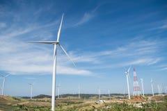 Energia eolica sulla montagna Fotografia Stock