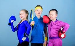 Energia inside Sprawności fizycznej energii zdrowie uderzać pięścią nokaut Drużynowego sporta sukces trening małe dziewczyny boks obraz royalty free