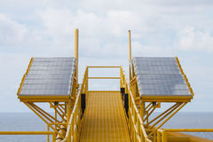 Energia słoneczna jest zielonym władzą, ogniwo słoneczne dla wytwarza władzę dla zaopatrzeniowego elektrycznego wyposażenia w na  Obrazy Royalty Free